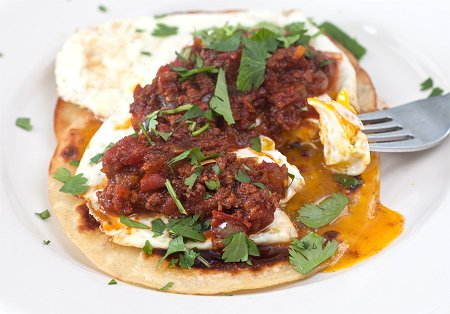 Huevos Rancheros con Chorizo | Tide and Thyme
