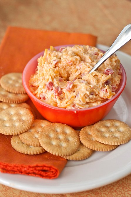 Homemade Pimento Cheese | Tide and Thyme