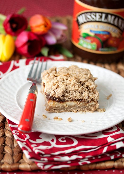 Apple Oatmeal Cheesecake Bars