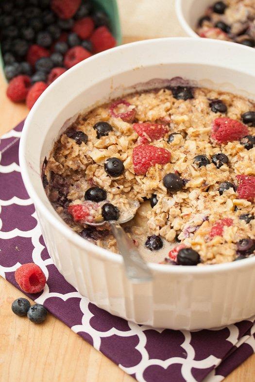 Baked Vanilla Berry Oatmeal